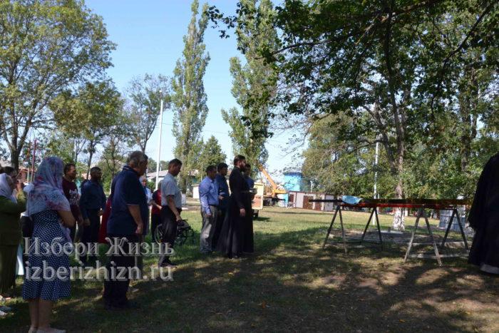 28 августа 2021 Установка креста в горсаду_043