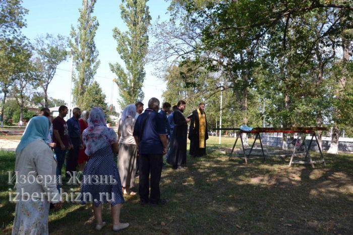 28 августа 2021 Установка креста в горсаду_055