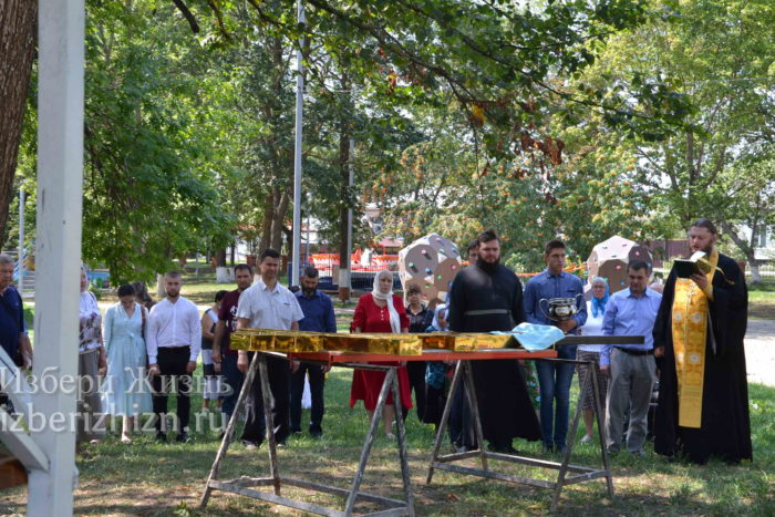 28 августа 2021 Установка креста в горсаду_070