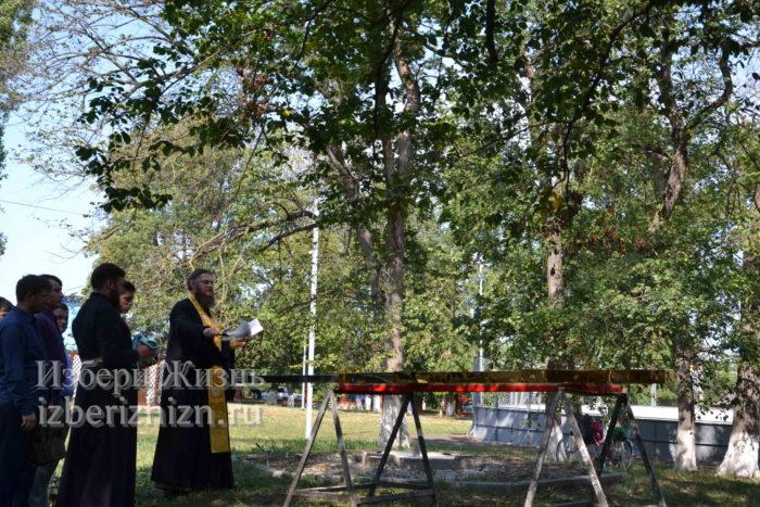 28 августа 2021 Установка креста в горсаду_095