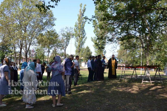 28 августа 2021 Установка креста в горсаду_098