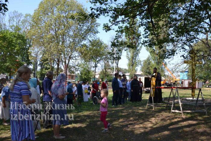 28 августа 2021 Установка креста в горсаду_133
