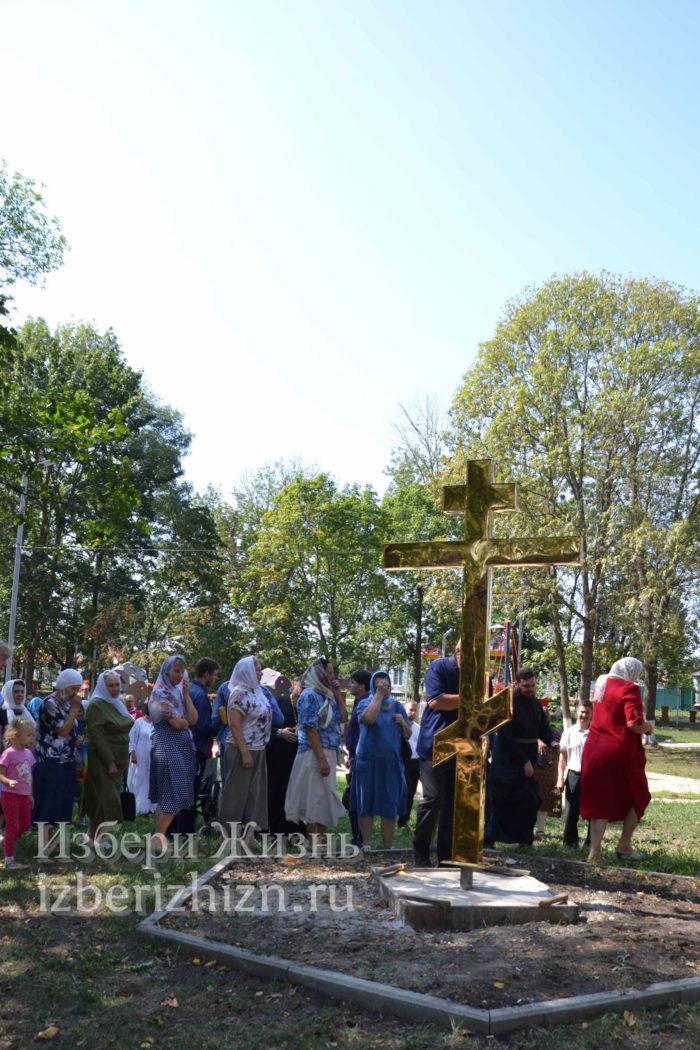 28 августа 2021 Установка креста в горсаду_157