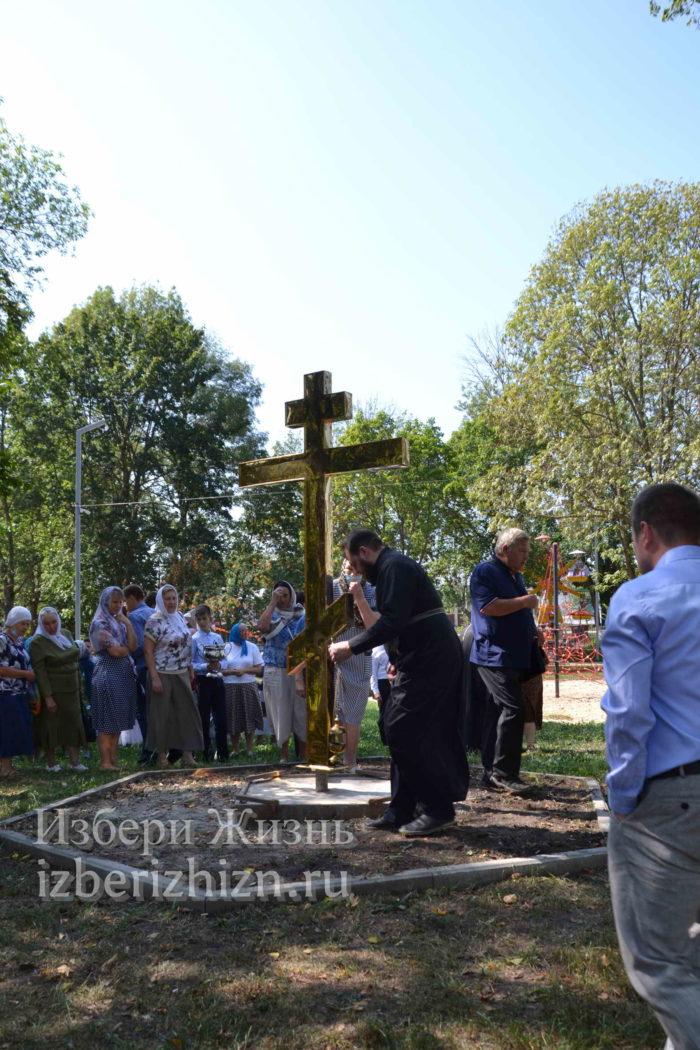 28 августа 2021 Установка креста в горсаду_158