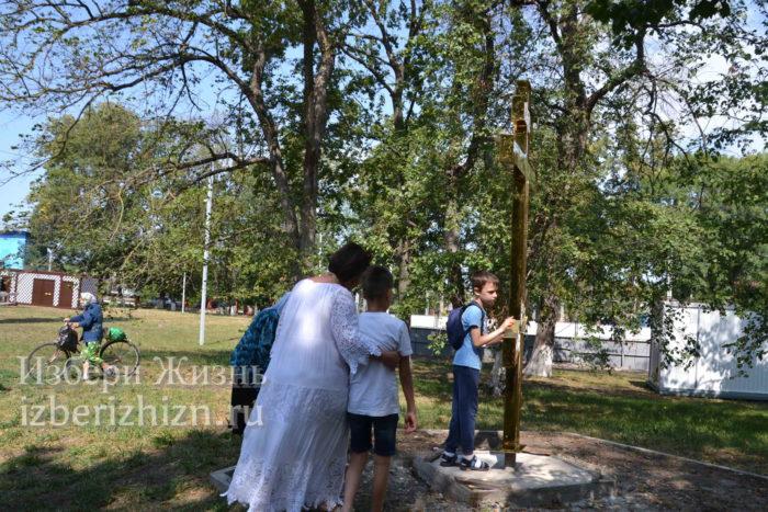 28 августа 2021 Установка креста в горсаду_175